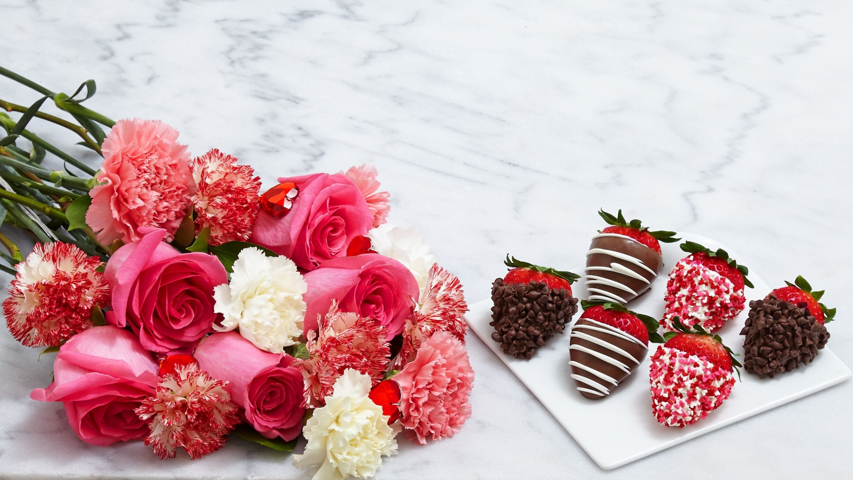 chocolate_dipped_strawberries_and_flowers-wallpaper-2880x1620