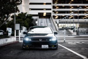 honda_civic_si_black_front_view_city_99210_1920x1200
