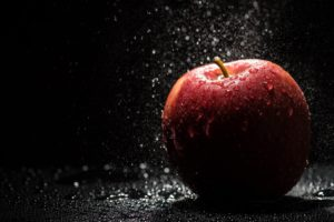 apple_drops_4k-3840x2160