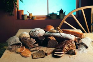 bread_pastries_table_different_88440_1600x1200