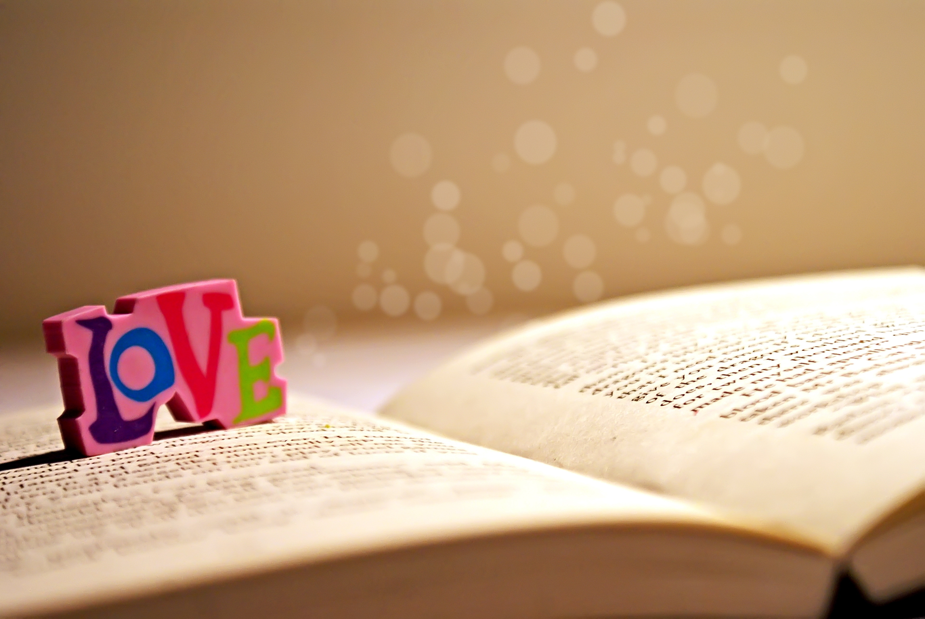 book_dice_label_love_word_54712_3872x2592