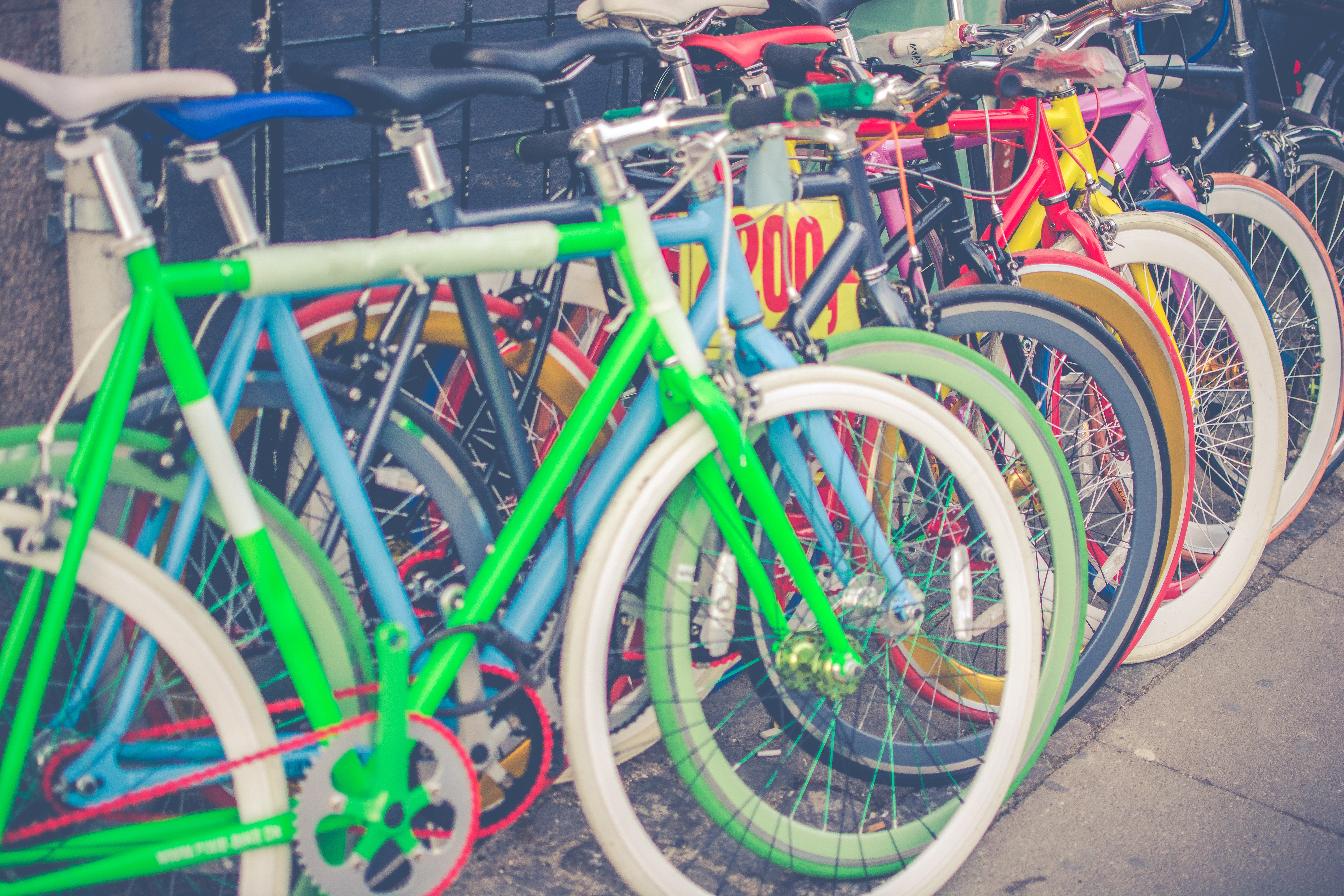 bicycles_parking_multicolored_115541_6000x4000