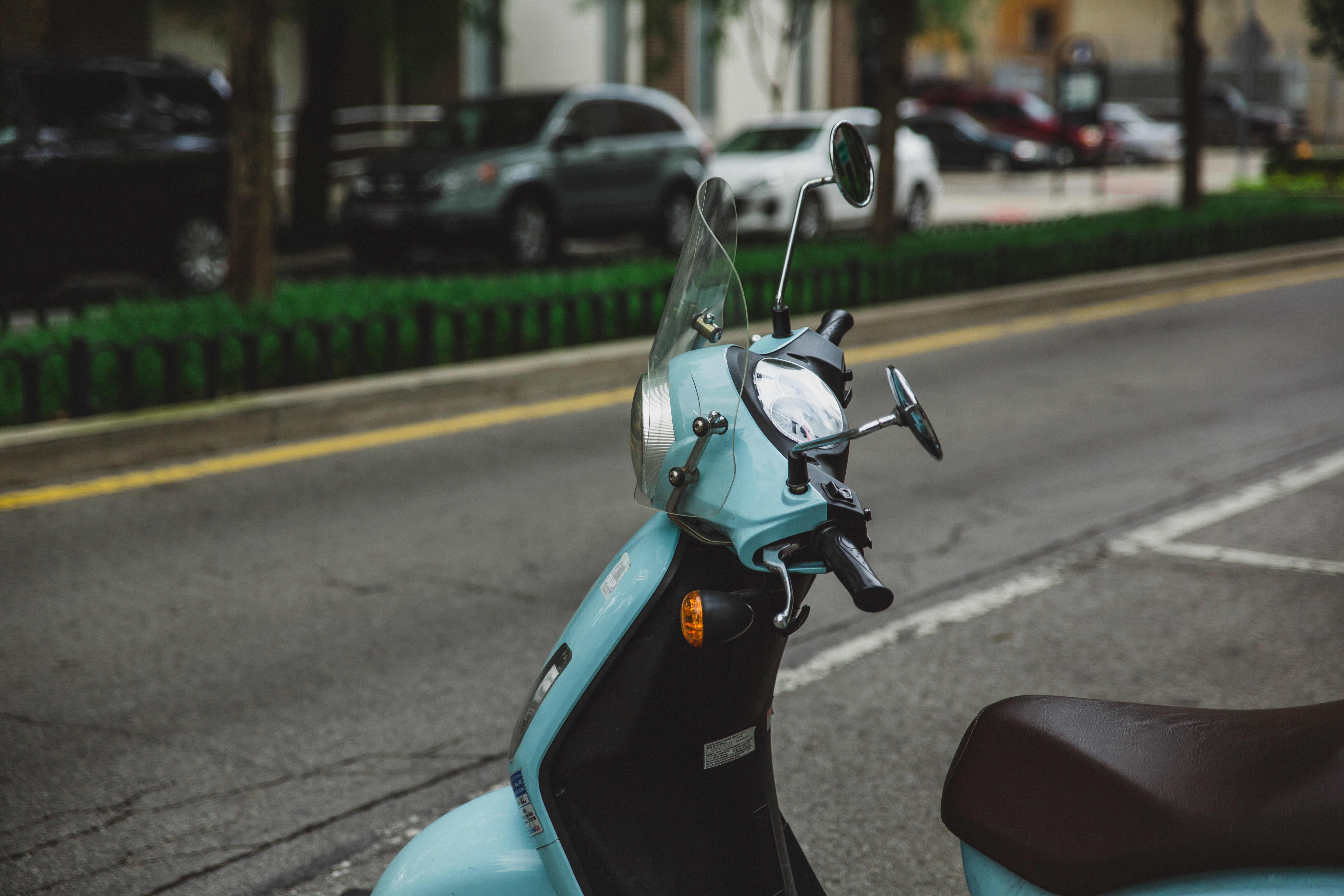 scooter_moped_steering_wheel_115480_5760x3840