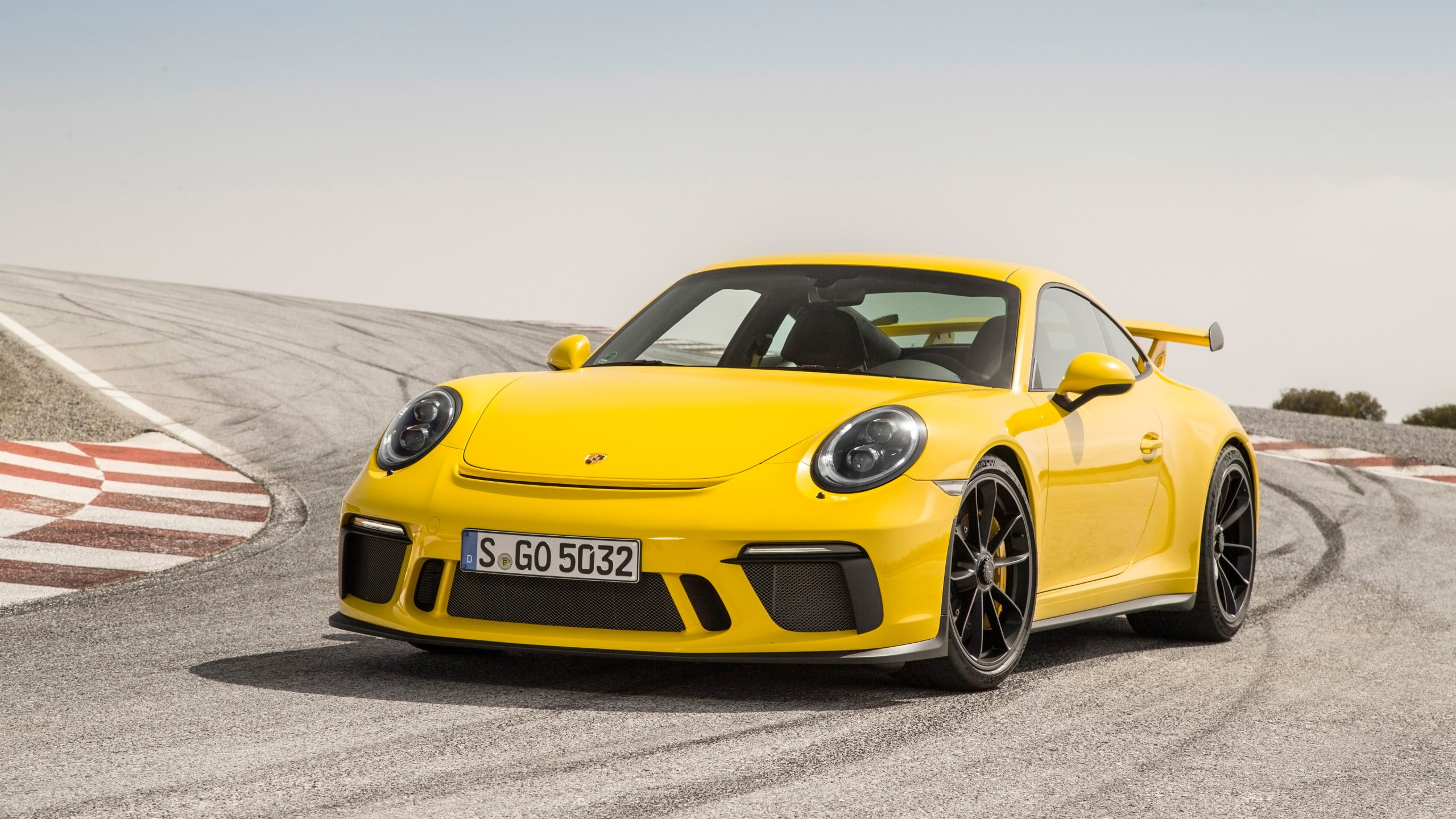 2018 Porsche 911 GT3 Racing Yellow Wallpapers