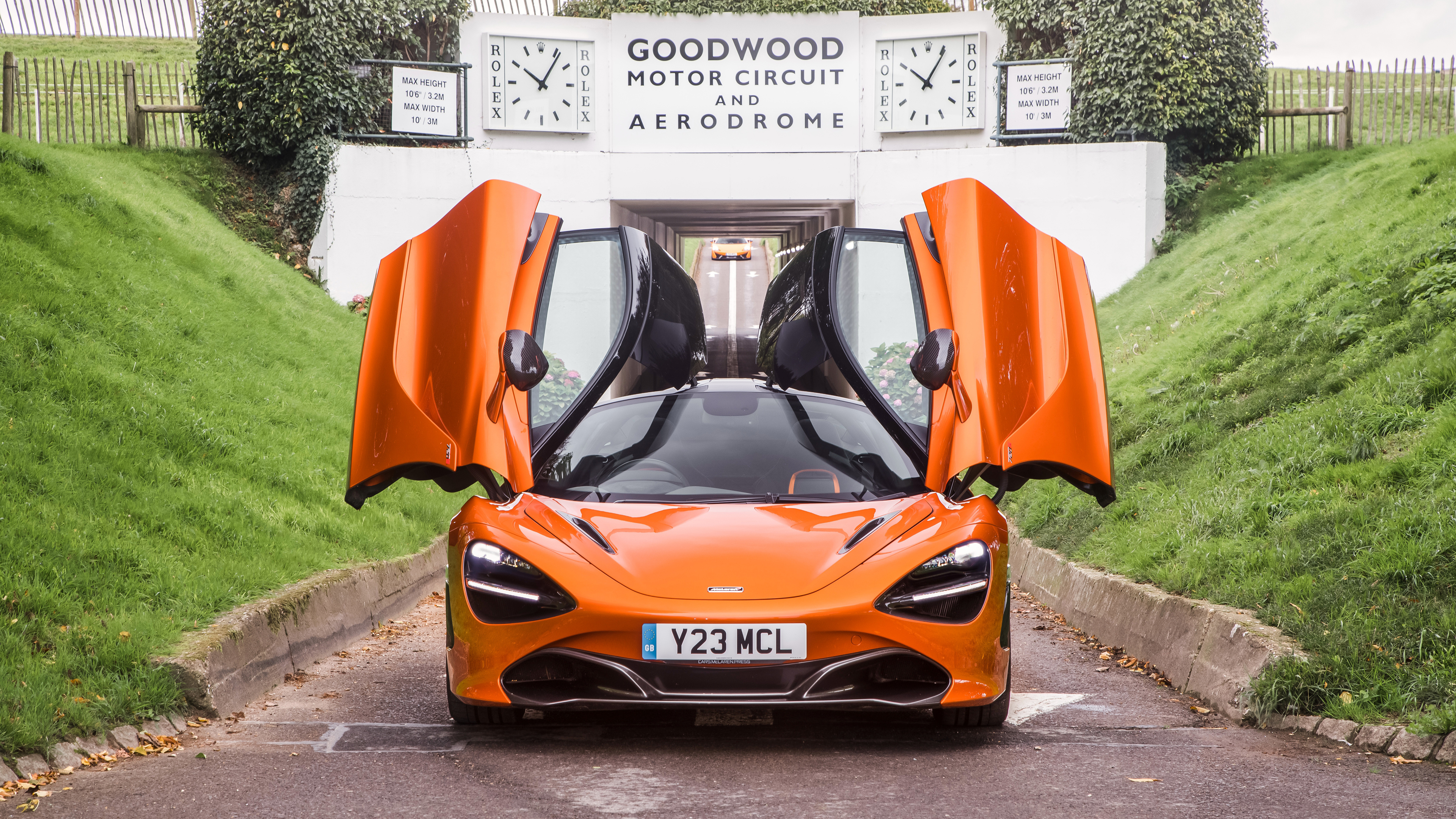 McLaren 720S Coupe 2017 4K 2 Wallpapers