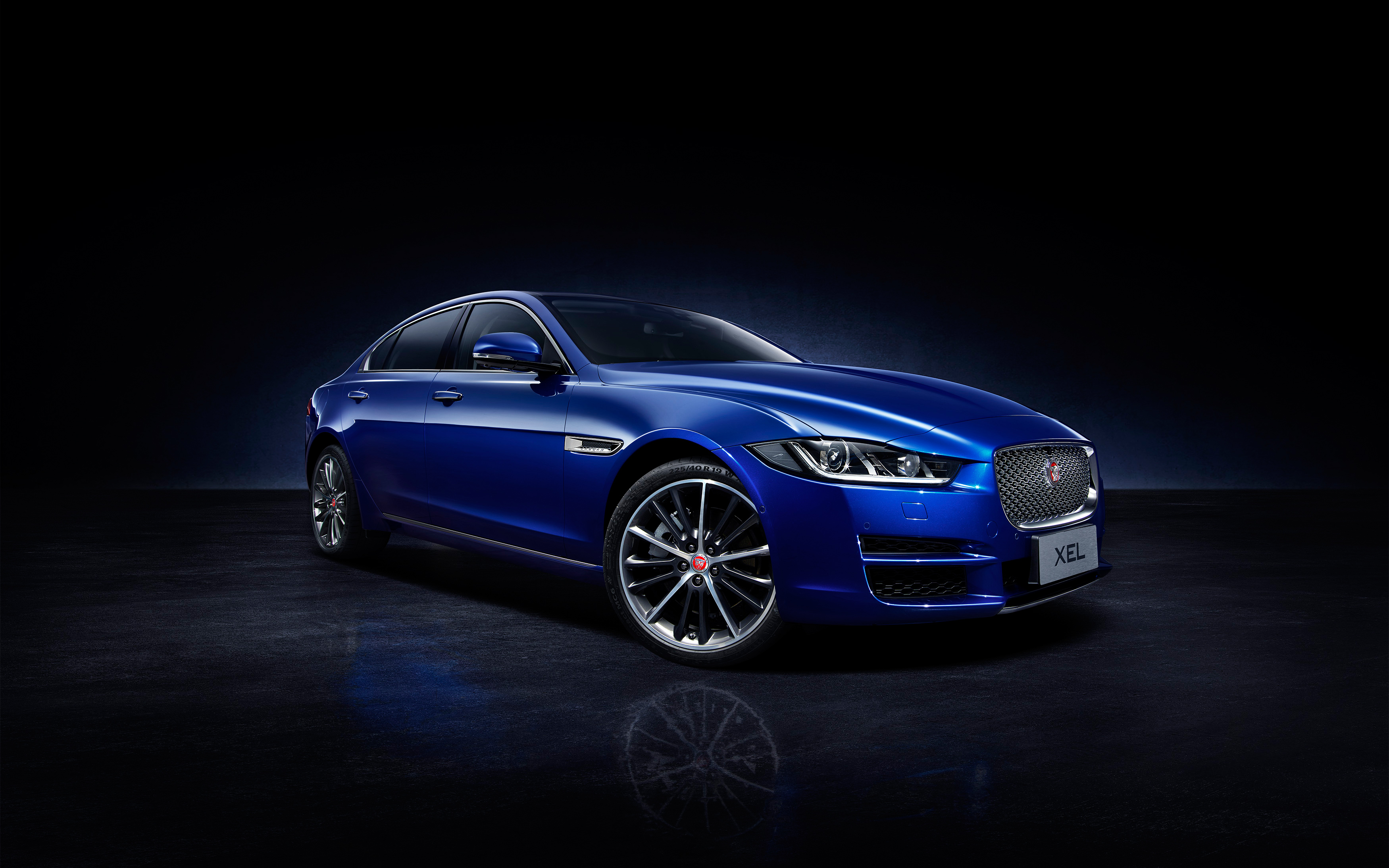 Jaguar XEL 2018 Wallpapers