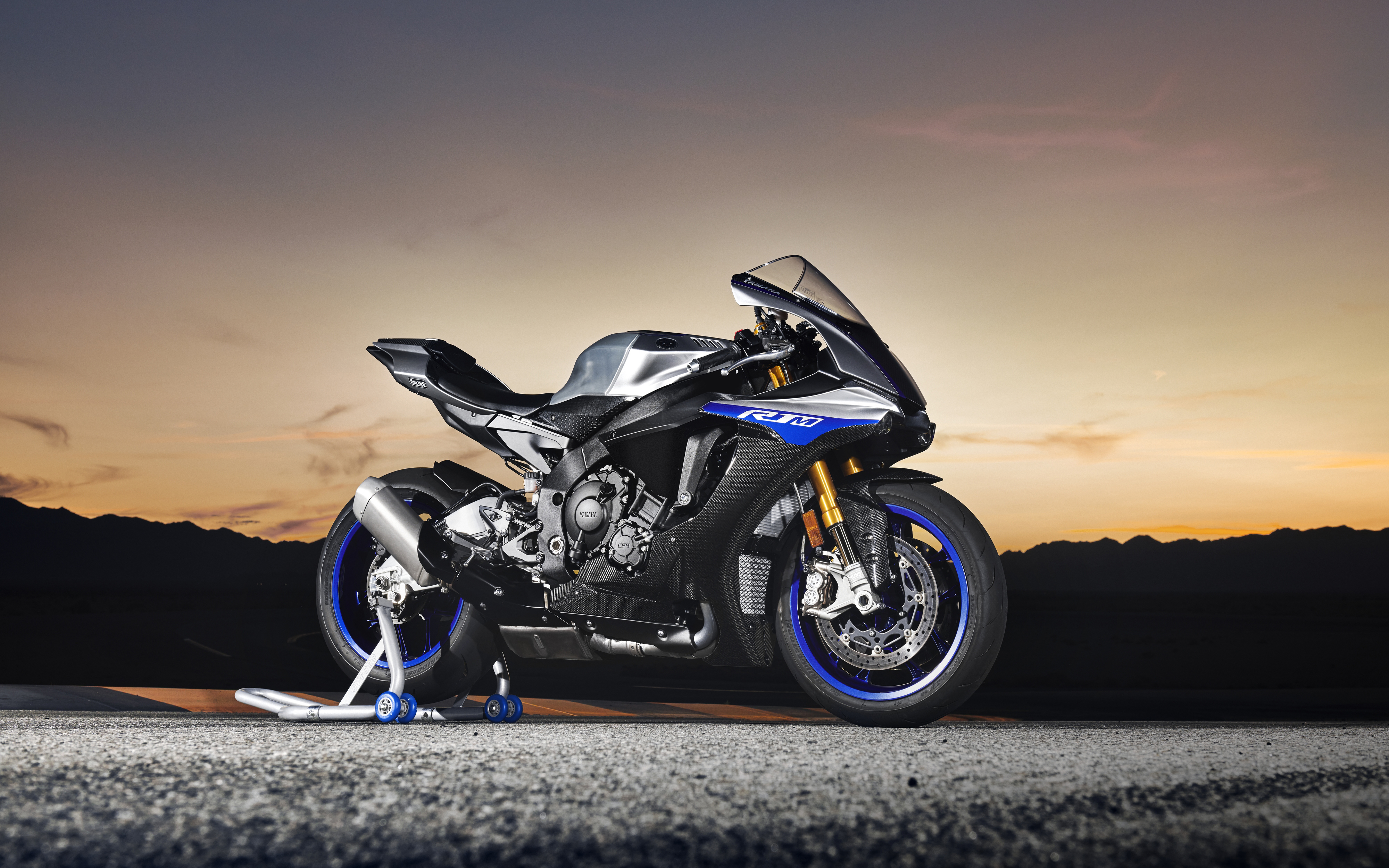 Yamaha YZF R1M 2018 4K Wallpapers