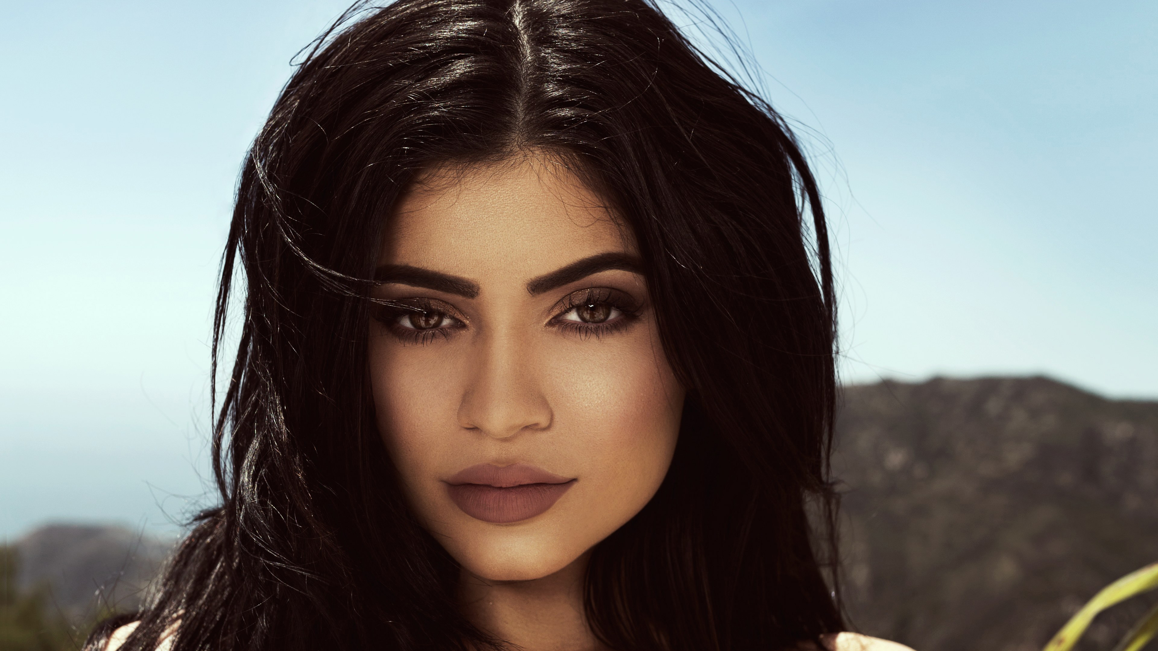 Kylie Jenner Topshop 4K Wallpapers