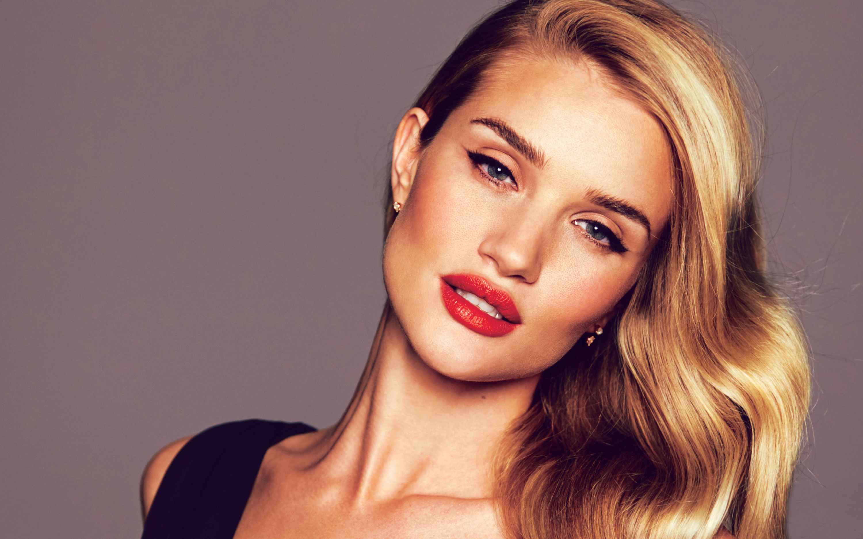 Rosie Huntington Whiteley Wallpapers
