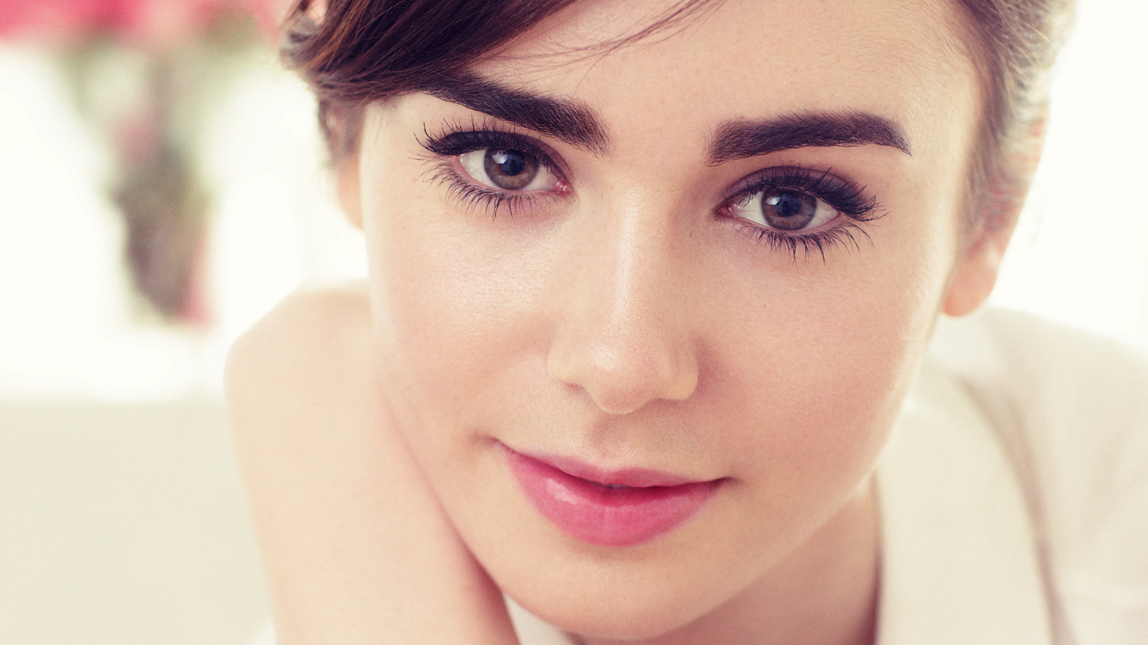 Lily Collins 4K Wallpapers