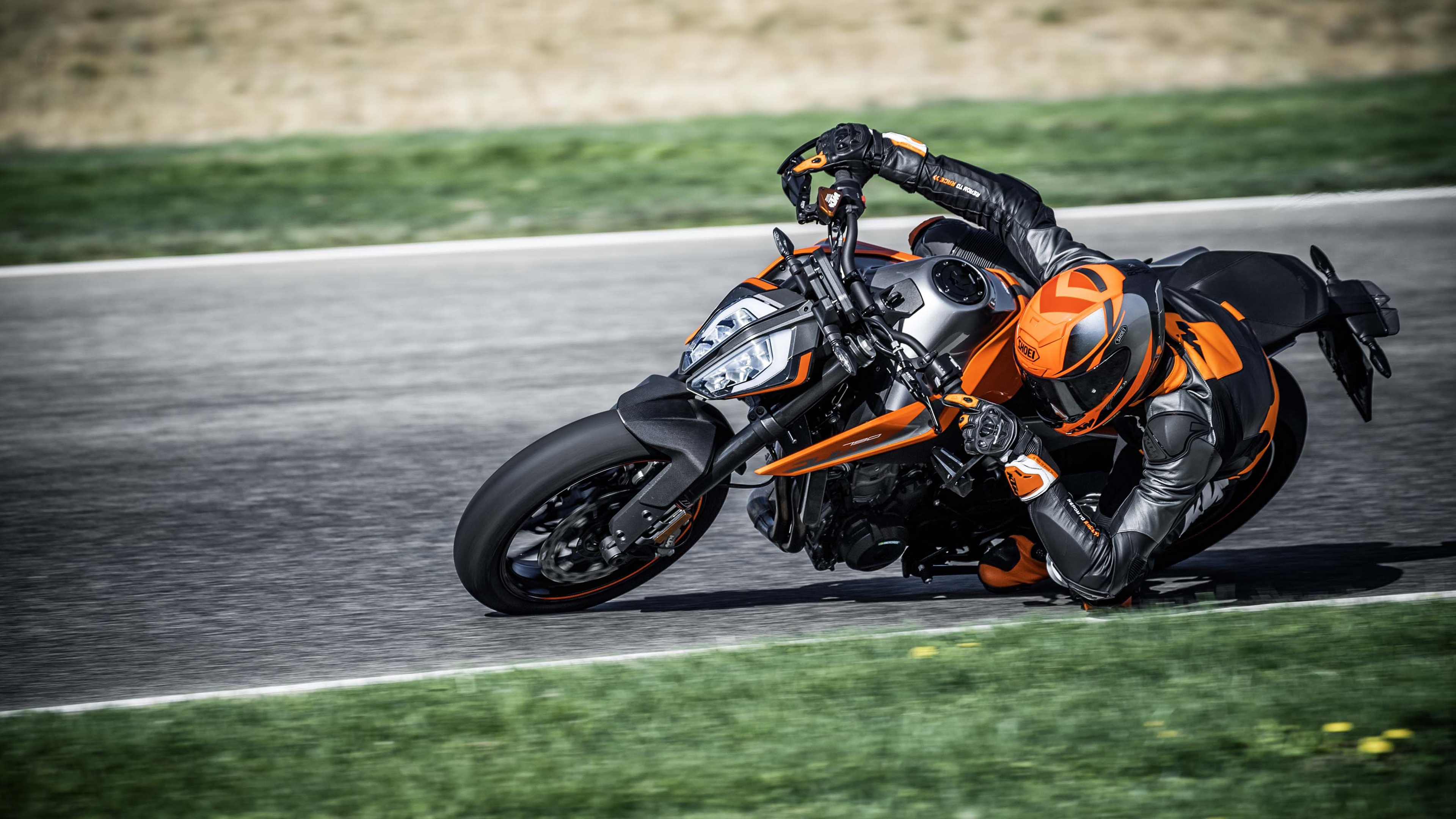 2018 KTM 790 Duke 4K Wallpapers. ««