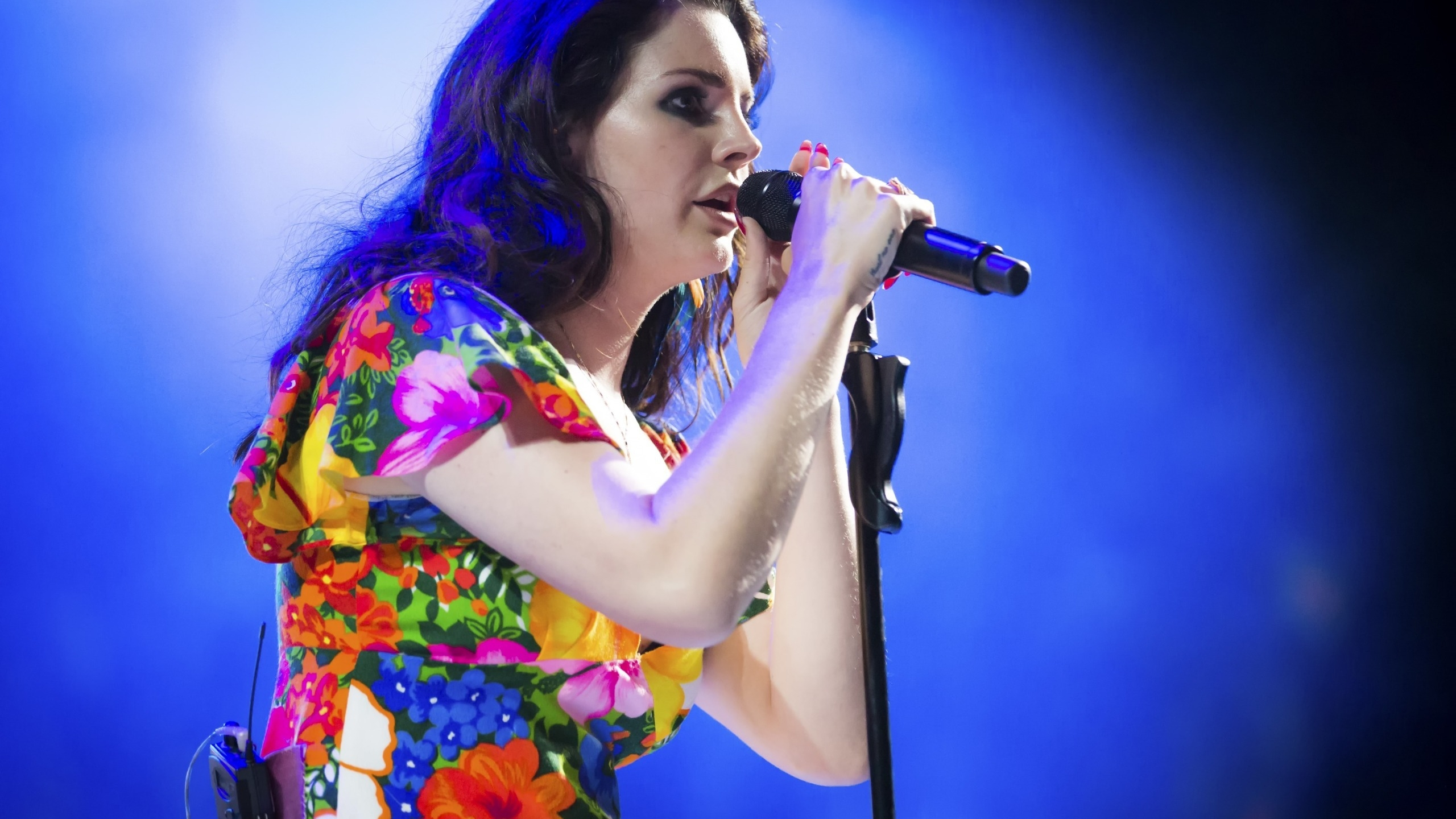 Lana Del Rey Performing Coachella Wallpaper Hd Wallpapers