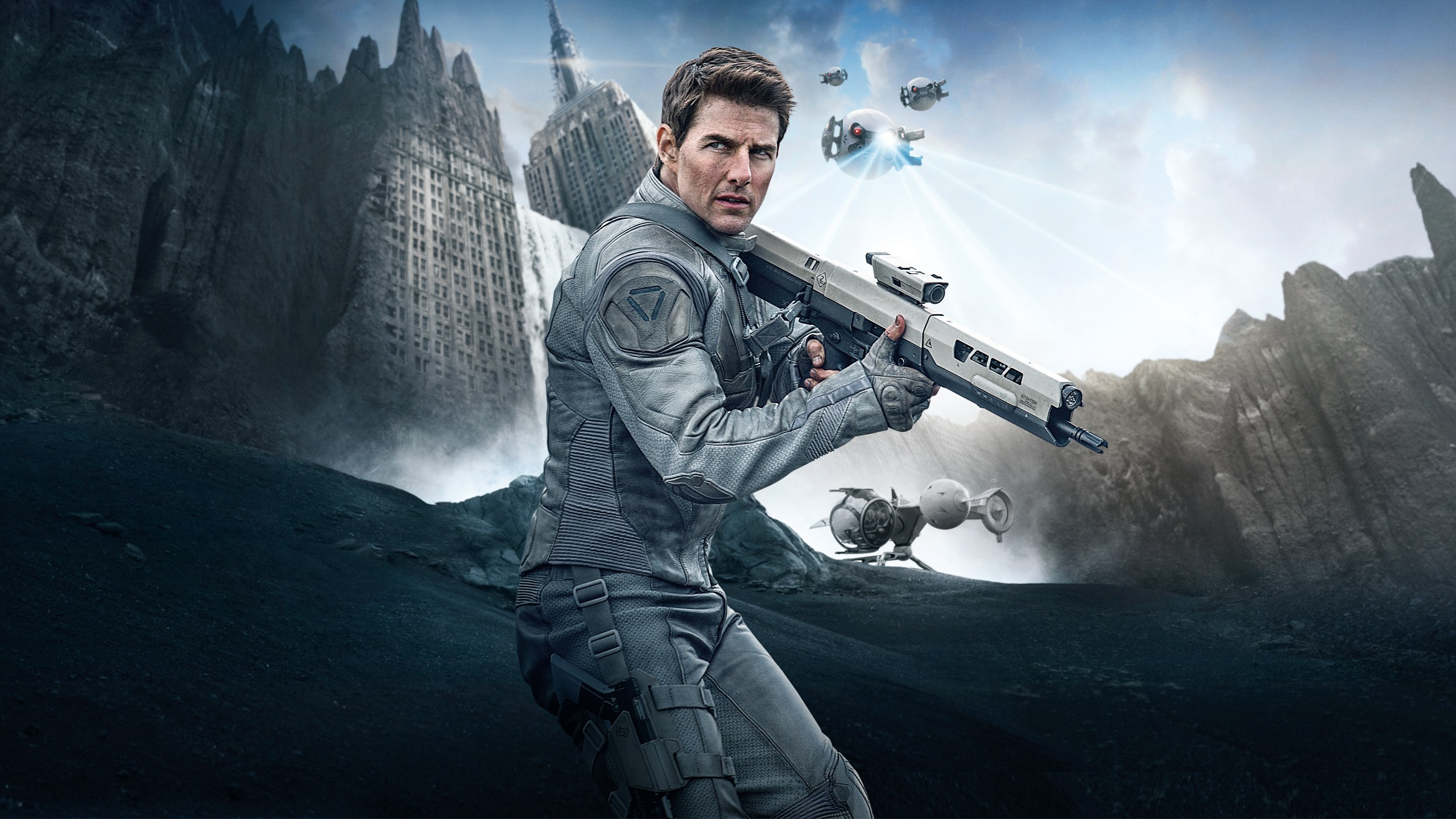 Tom Cruise In Oblivion Wallpapers Hd Wallpapers