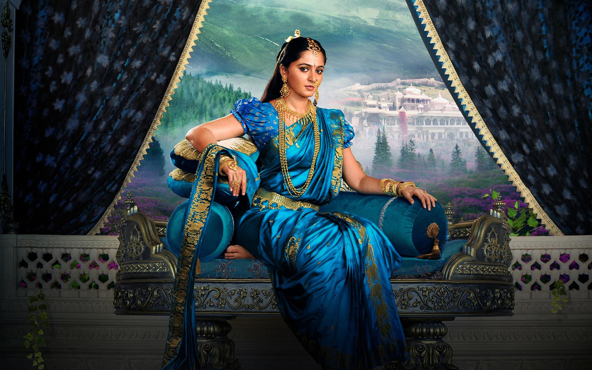 Anushka Shetty As Devasena In Baahubali 2 Wallpapers Hd Wallpapers