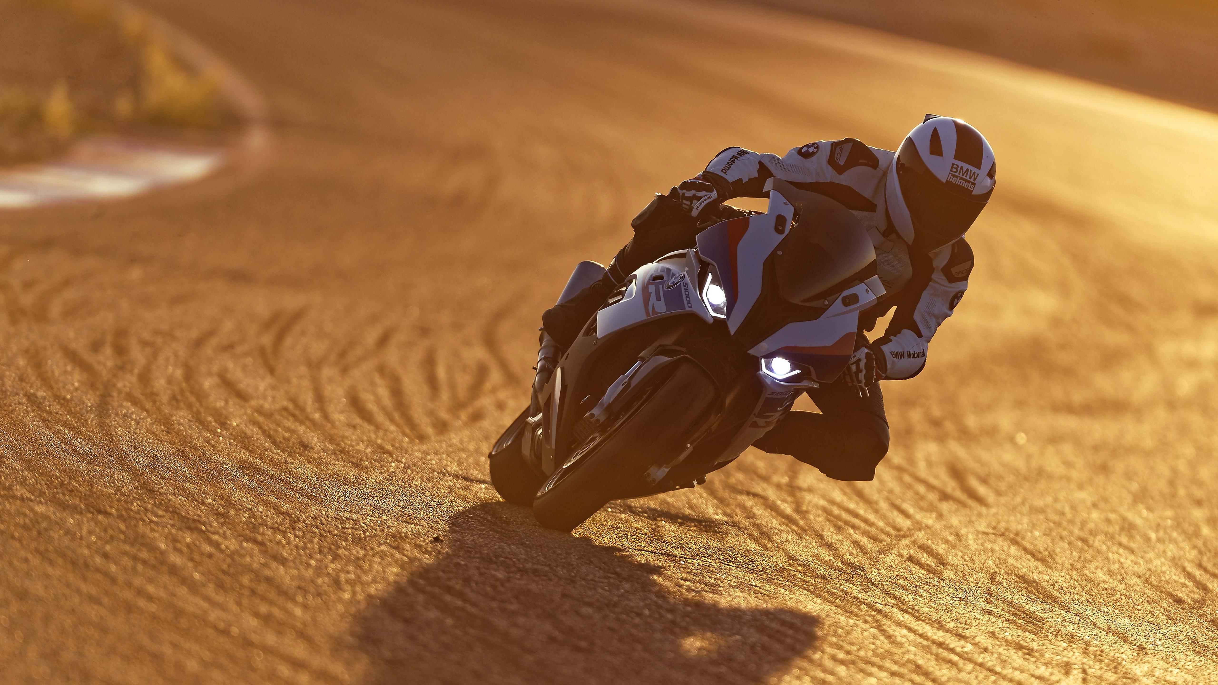 2019 KTM 690 Enduro R 4K Wallpapers